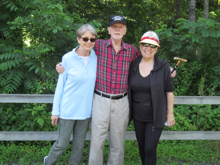 Green Ridge Village Residents Enjoying the Outdoors