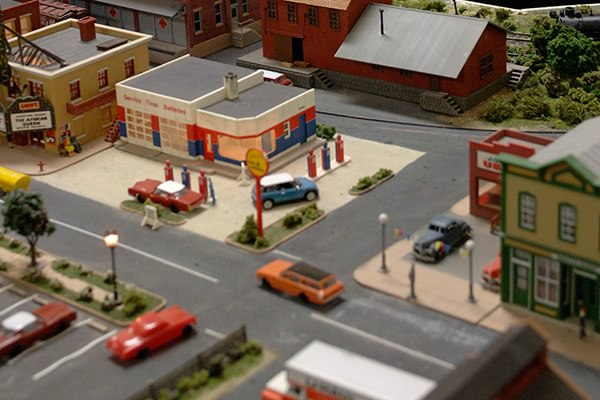 Model_Railroad_Town_QV