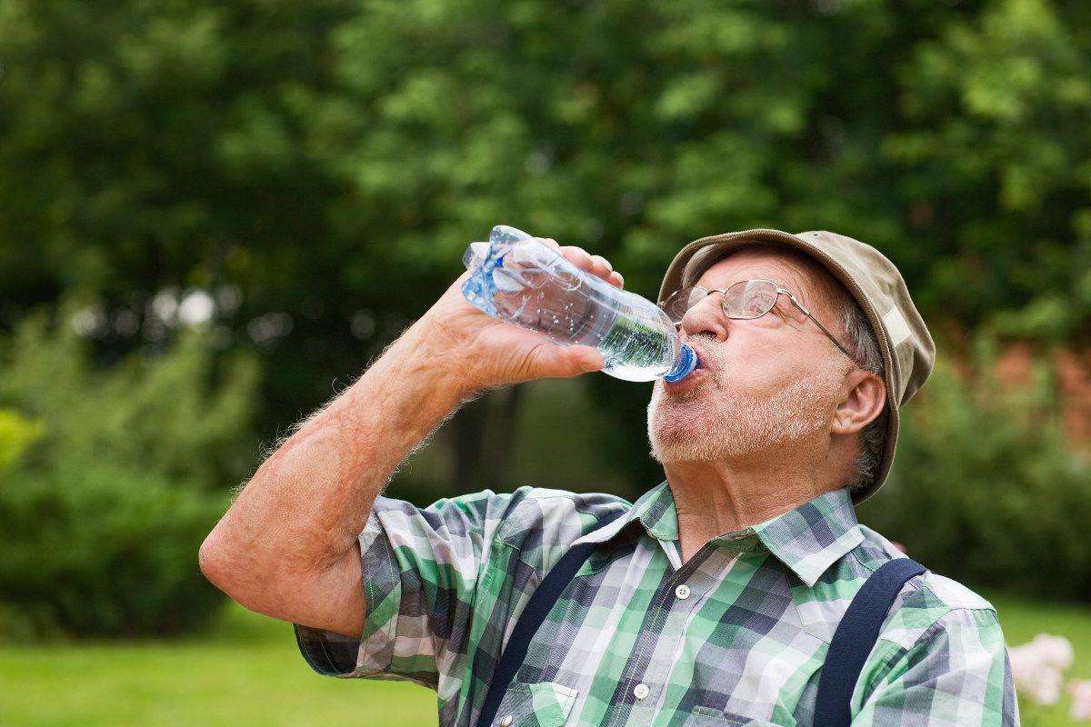 dehydration summer seniors