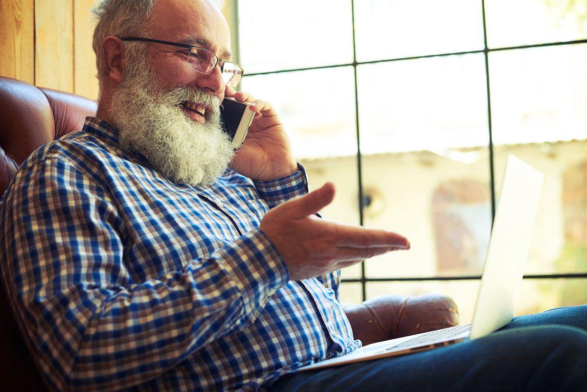 seniors on cell phones
