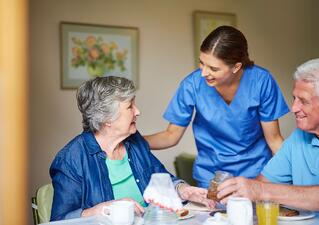 Senior-Living-Work-With-the-Staff