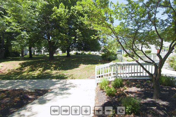 Front Courtyard | Glen Meadows Virtual Tour