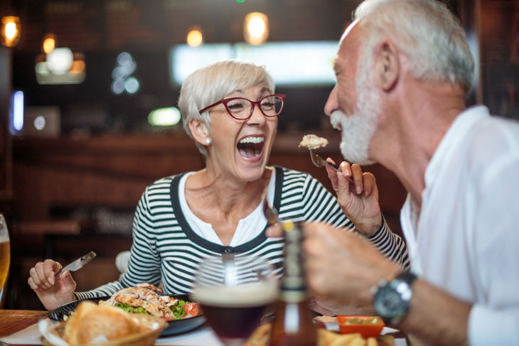 senior-couple-dining-out