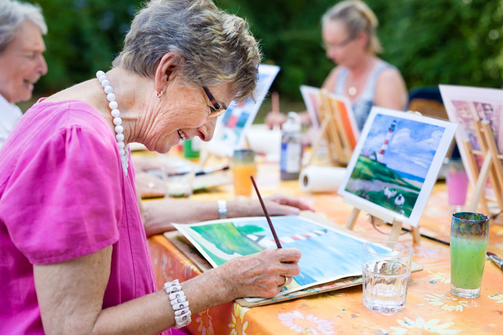 senior-woman-painting-hobby