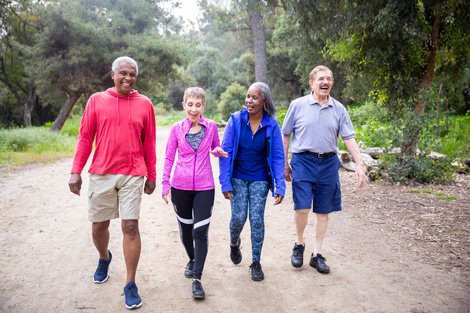 seniors-walking-as-alternative-treatment-to-pain