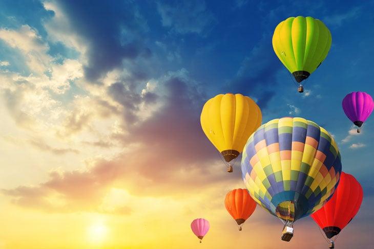 senior-hot-air-balloon-date