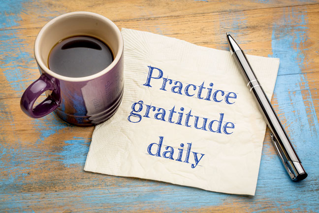 coffee with note, practice gratitude daily