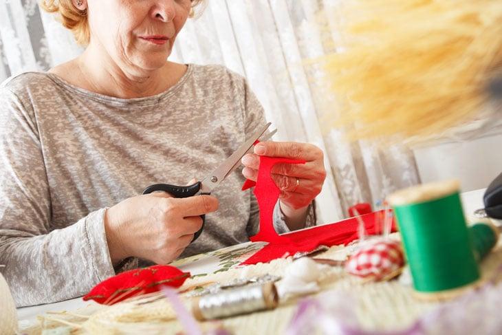 senior-indoor-activities-during-isolation