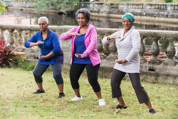 senior-women-doing-tai-chi