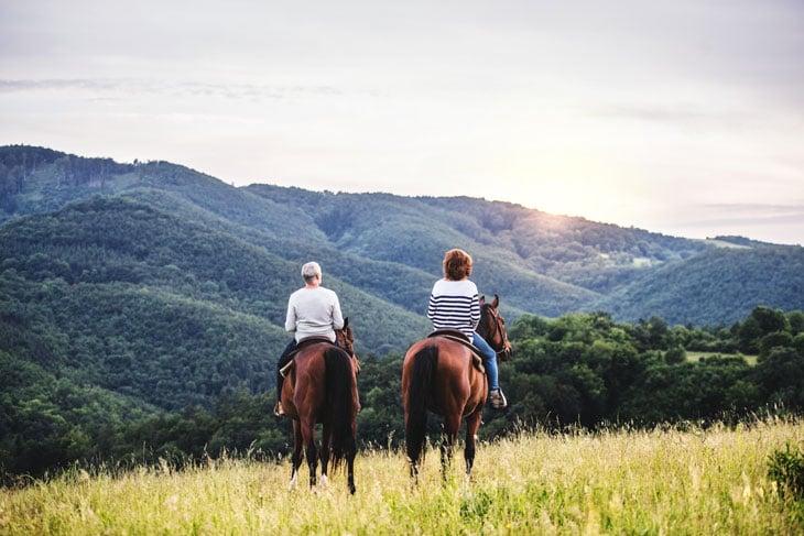 seniors-horseback-riding