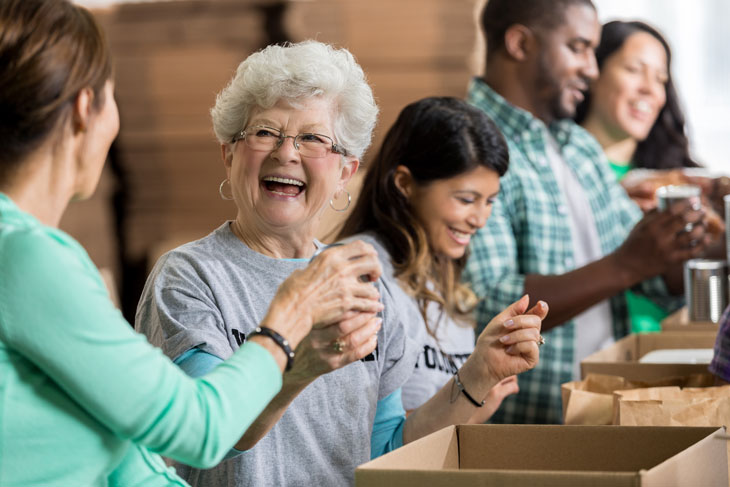 volunteering-at-senior-living-communities