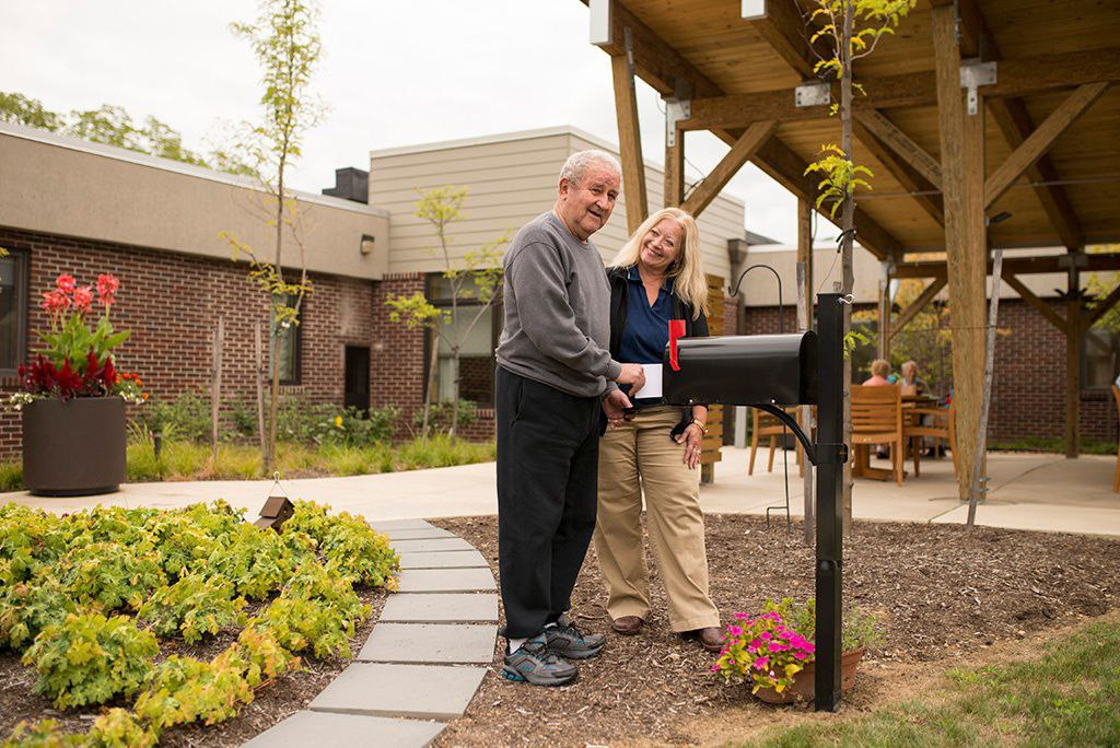How Outdoor Therapeutic Spaces Increase Quality of Life for Seniors