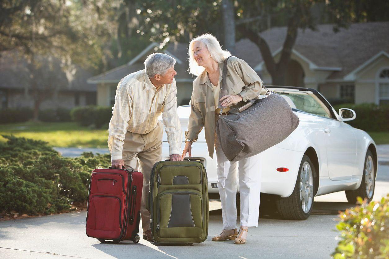 9 Holiday Travel Tips for Seniors